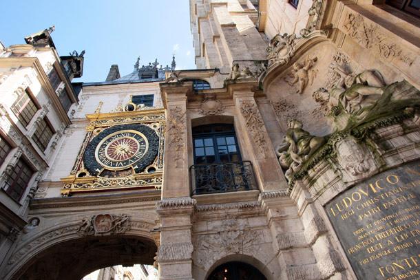 Si vous passez chez moi, visitez le Gros Horloge ! Gros-h10