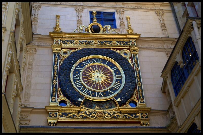 Si vous passez chez moi, visitez le Gros Horloge ! Le_gro10