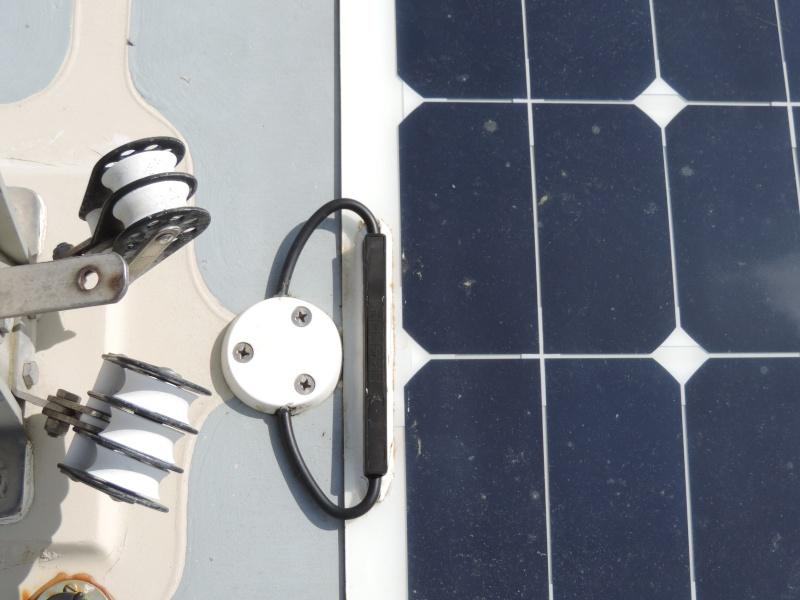 """Sur """"NIALA"""" Energie solaire et un rangement qui n'empiète pas sur le volume 12110"""
