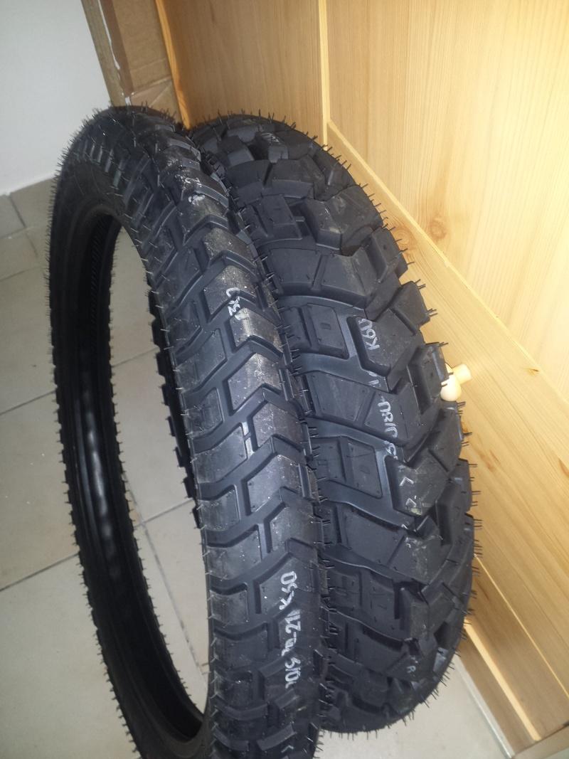Fournisseur de pneus 2015-022