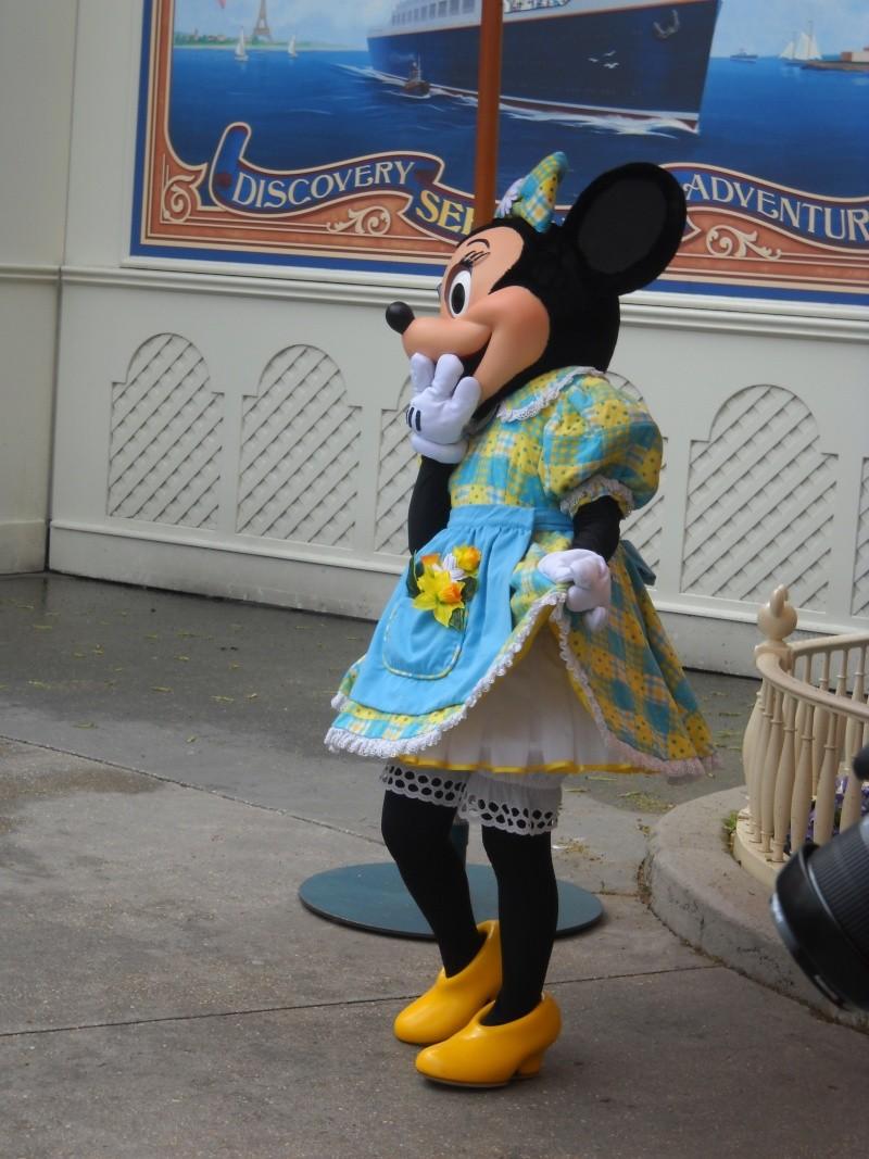 Vos photos avec les Personnages Disney - Page 39 Dscn1411