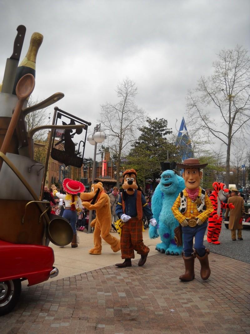 Vos photos avec les Personnages Disney - Page 39 Dscn1412