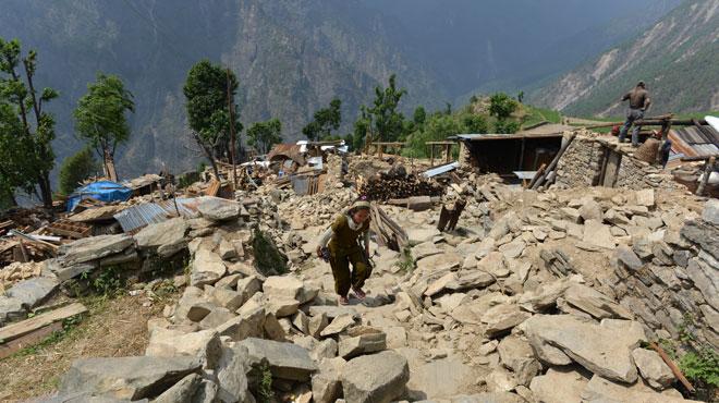 Nouveau séisme au Népal 71142010