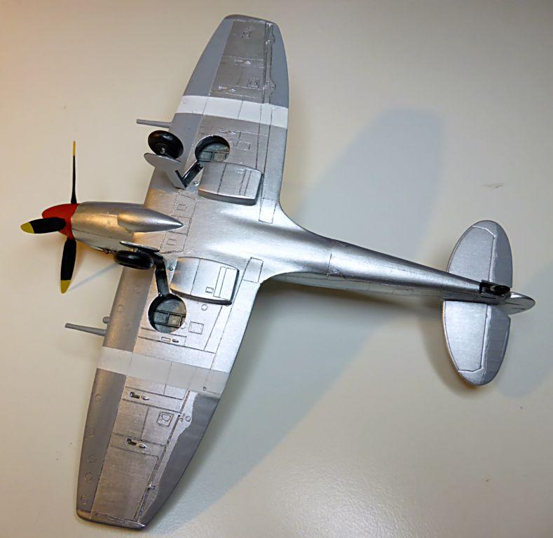 [Hobby Craft] Seafire XV Supermarine rénové en Spitfire MkIX Israeli Air Force 1949 - Page 2 Superm33