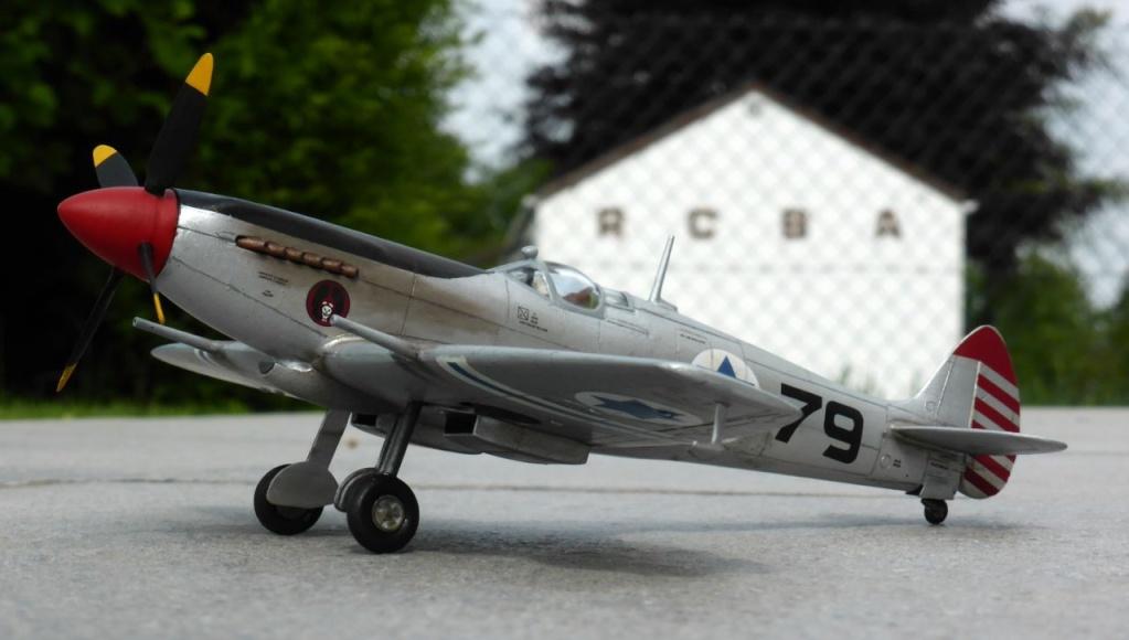 [Hobby Craft] Seafire XV Supermarine rénové en Spitfire MkIX Israeli Air Force 1949 - Page 2 Superm39