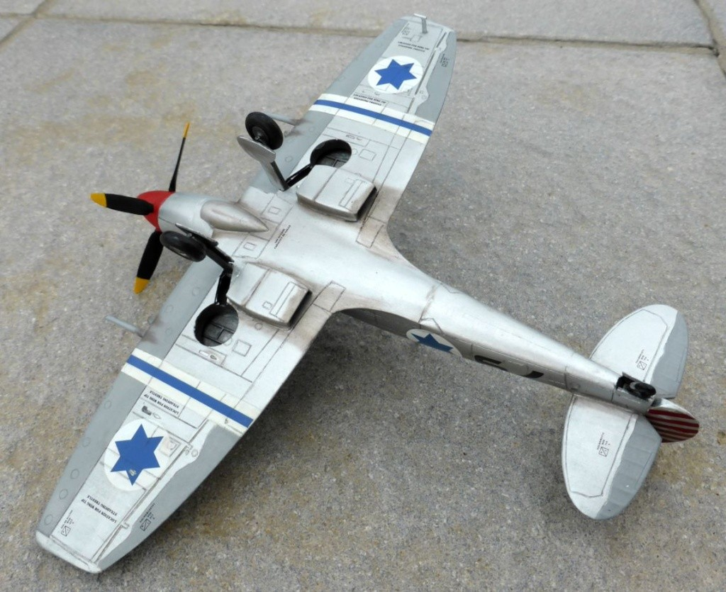 [Hobby Craft] Seafire XV Supermarine rénové en Spitfire MkIX Israeli Air Force 1949 - Page 2 Superm44