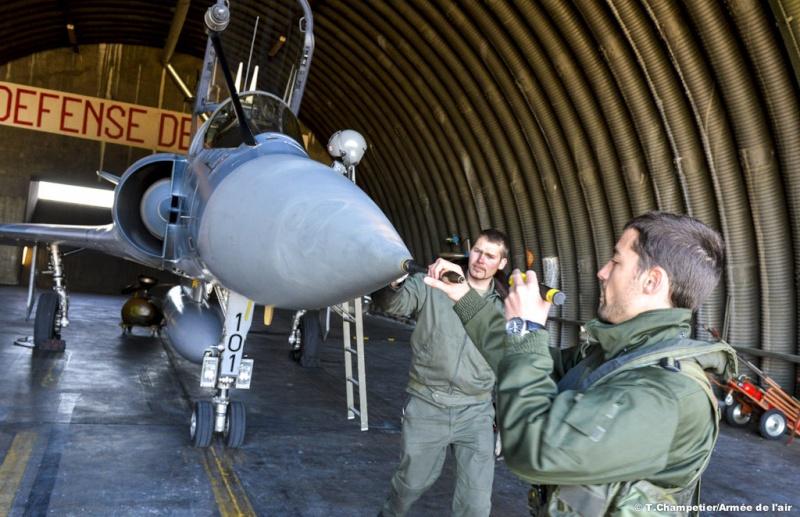 L'armee de l'Air a l'entrainement - Personnel volant et rampants Ob_a7c10