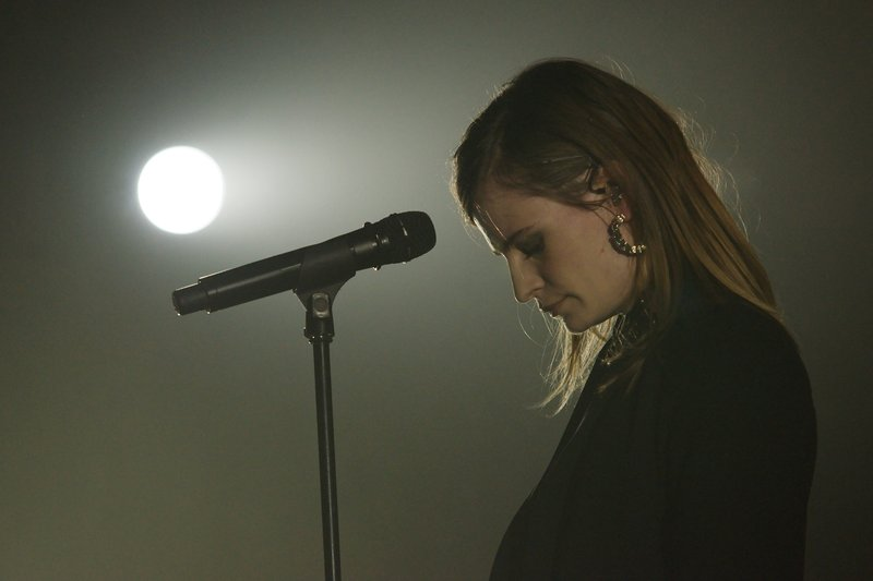 CHRISTINE & THE QUEENS - Queen of Pop. - Page 7 14b8af10