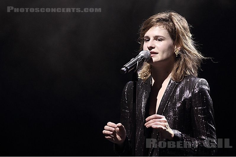 CHRISTINE & THE QUEENS - Queen of Pop. - Page 7 8o8o710