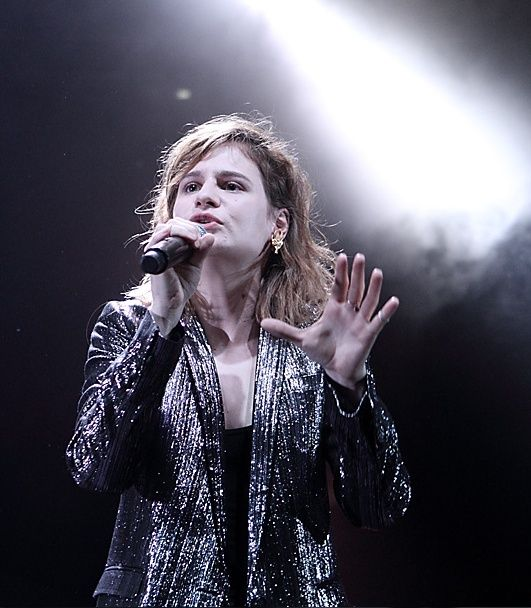 CHRISTINE & THE QUEENS - Queen of Pop. - Page 7 9o79610