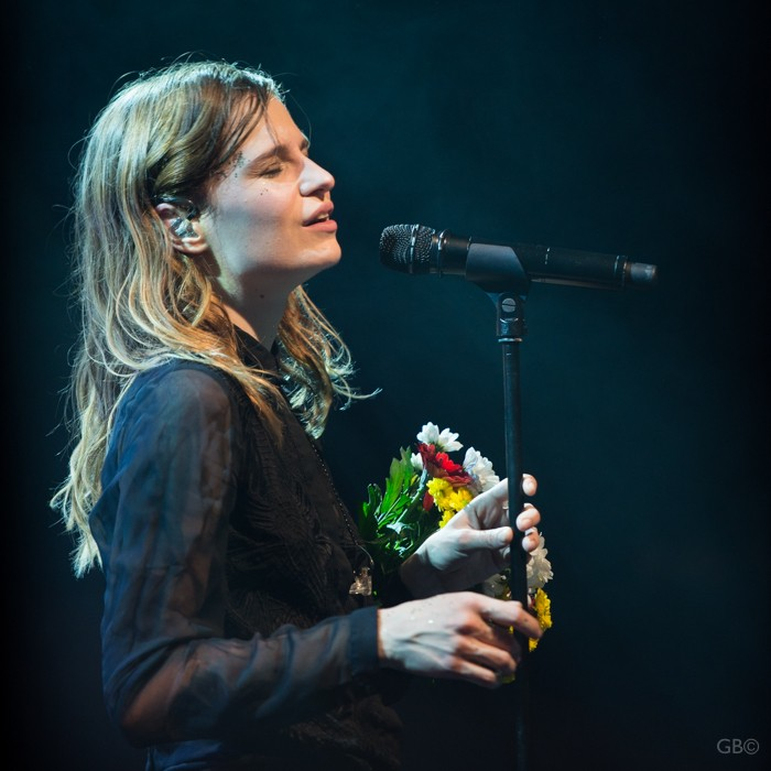 CHRISTINE & THE QUEENS - Queen of Pop. - Page 7 Catq-c13