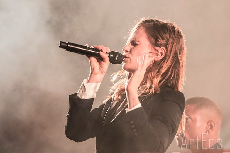 CHRISTINE & THE QUEENS - Queen of Pop. - Page 7 Ell10
