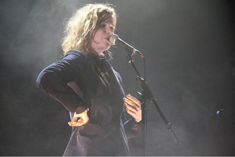 CHRISTINE & THE QUEENS - Queen of Pop. - Page 6 Fab10