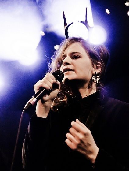 CHRISTINE & THE QUEENS - Queen of Pop. - Page 7 Fgdr10