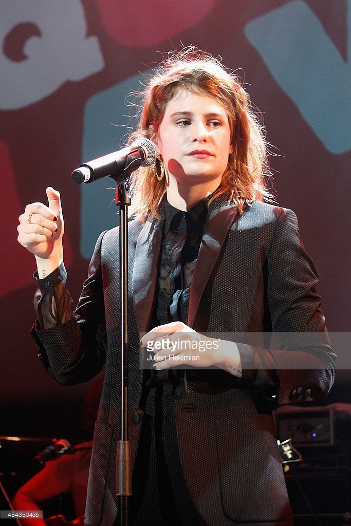 CHRISTINE & THE QUEENS - Queen of Pop. - Page 6 Gait2e10