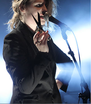 CHRISTINE & THE QUEENS - Queen of Pop. - Page 6 Hjk10