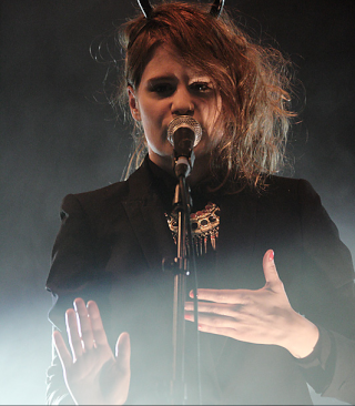 CHRISTINE & THE QUEENS - Queen of Pop. - Page 6 Hjtyj10