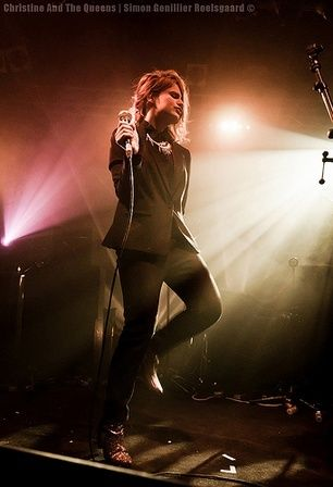 CHRISTINE & THE QUEENS - Queen of Pop. - Page 6 Ilii10