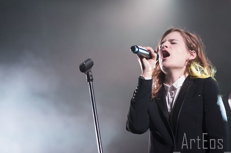 CHRISTINE & THE QUEENS - Queen of Pop. - Page 7 Iluil10