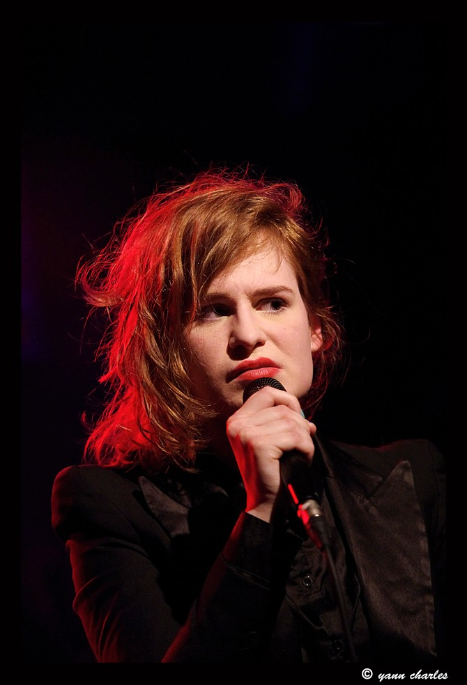 CHRISTINE & THE QUEENS - Queen of Pop. - Page 7 Rezser10