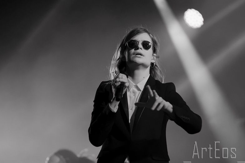 CHRISTINE & THE QUEENS - Queen of Pop. - Page 7 Thrth10
