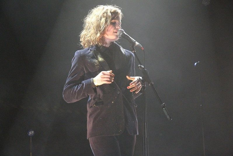 CHRISTINE & THE QUEENS - Queen of Pop. - Page 6 Tyk10