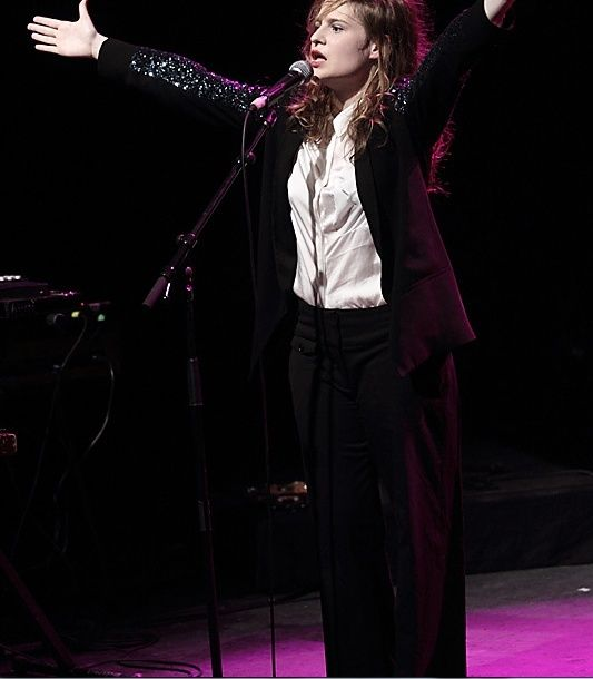 CHRISTINE & THE QUEENS - Queen of Pop. - Page 7 Uk10