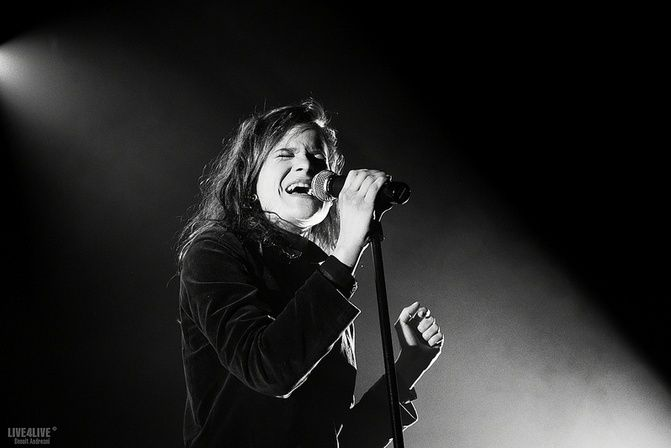 CHRISTINE & THE QUEENS - Queen of Pop. - Page 7 Utktu10