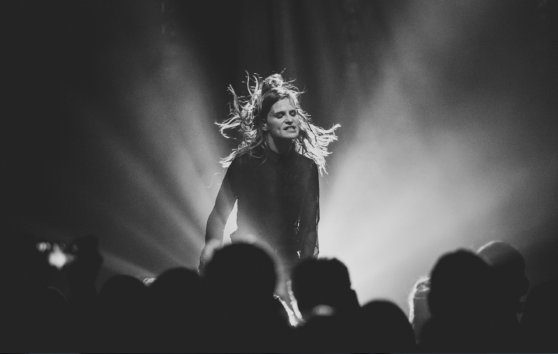 CHRISTINE & THE QUEENS - Queen of Pop. - Page 7 Yop_yy10