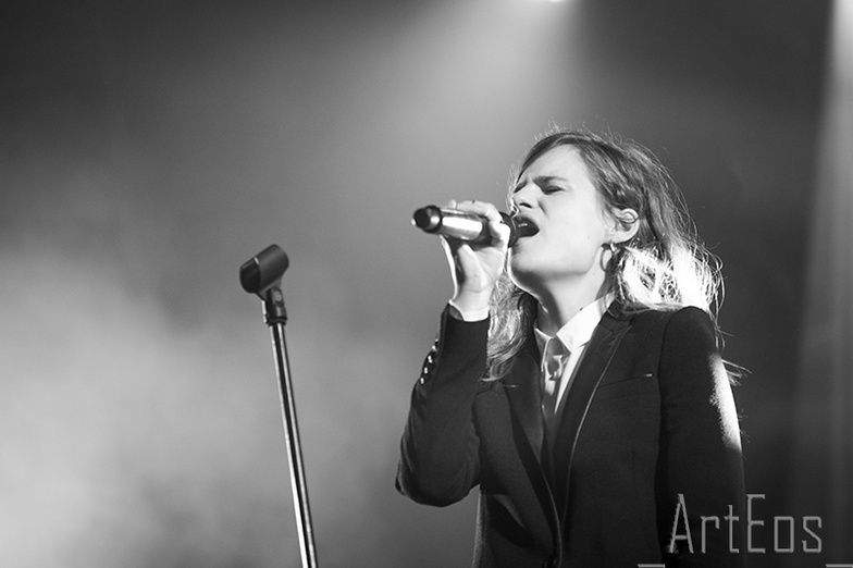 CHRISTINE & THE QUEENS - Queen of Pop. - Page 7 Yuku10