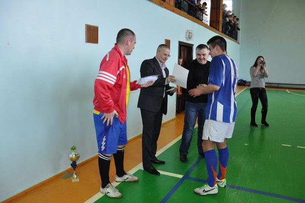 5 апреля в спорткомплексе «Артемсоль» состоялся финальный тур по мини-футболу за кубок генерального директора ГП «Артемсоль». 9iy8en10