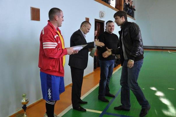 5 апреля в спорткомплексе «Артемсоль» состоялся финальный тур по мини-футболу за кубок генерального директора ГП «Артемсоль». Ev1wiw10