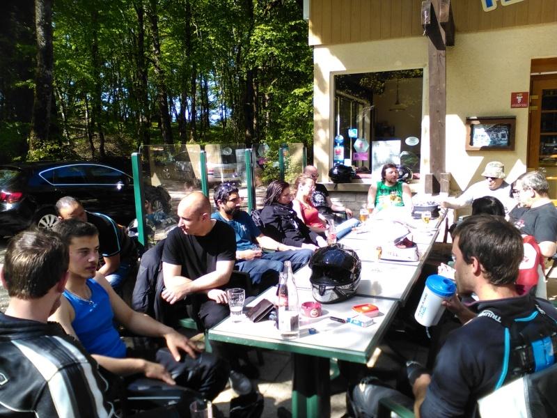 BALADE MENSUELLE : LE 10 MAI LAC DE NEUFCHATEL - Page 6 Moto_019