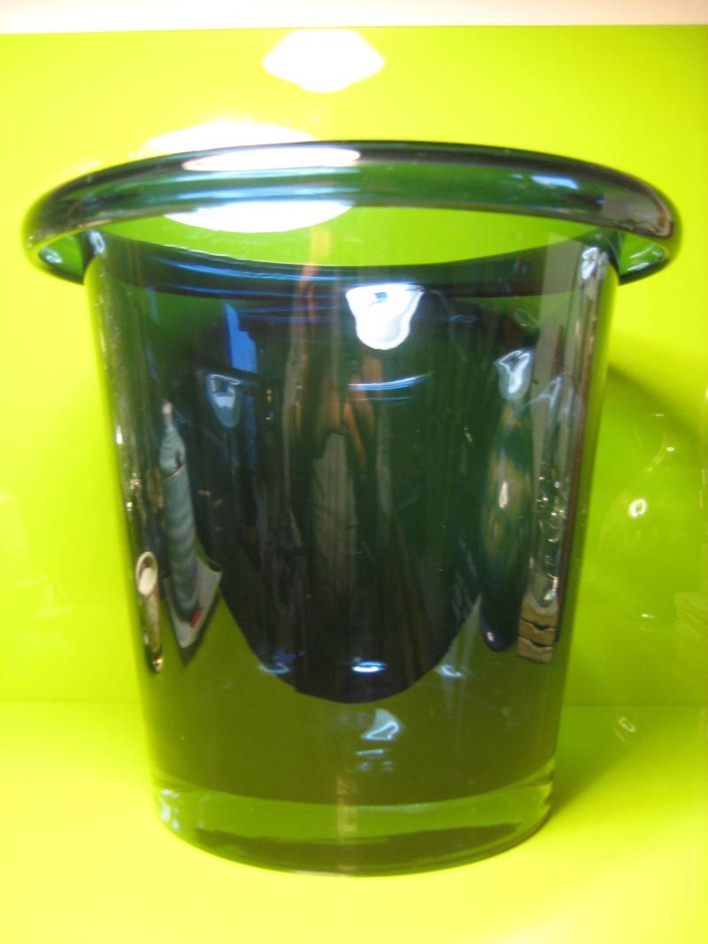 Large Heavy Folded Rim Ice / Champagne Bucket Cased Indigo Unsigned 00811