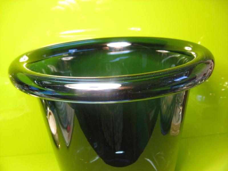 Large Heavy Folded Rim Ice / Champagne Bucket Cased Indigo Unsigned 00911