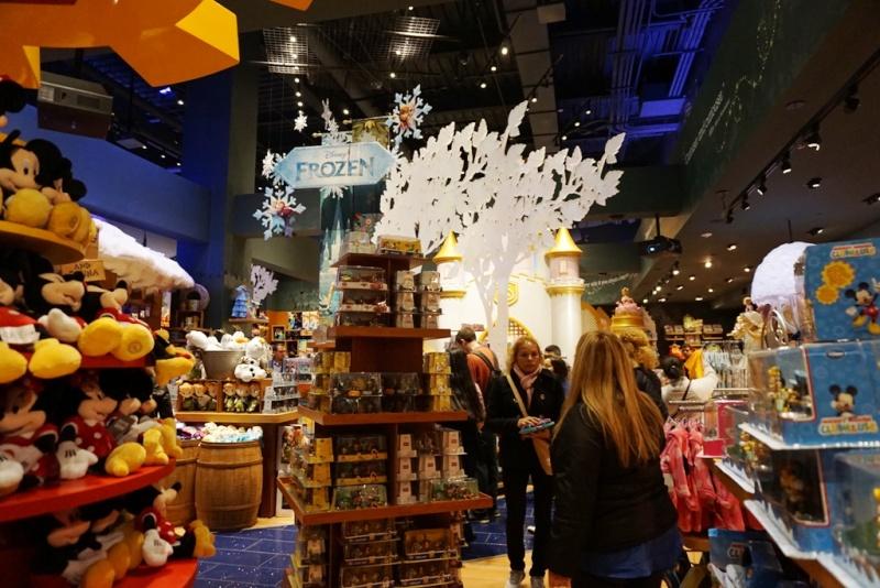 Visite du Disney Store de Times Square à New York  Dsc00210