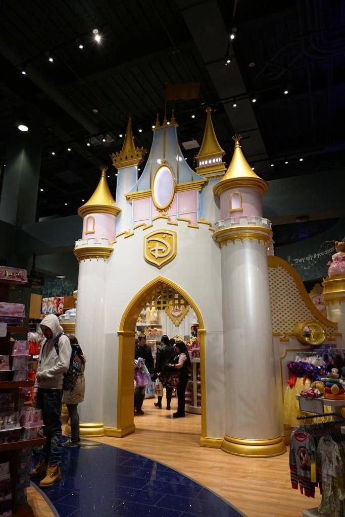 Visite du Disney Store de Times Square à New York  Dsc00212