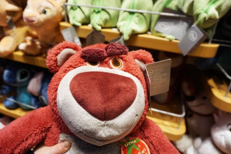 Visite du Disney Store de Times Square à New York  Dsc00224