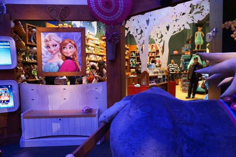 Visite du Disney Store de Times Square à New York  Dsc00228
