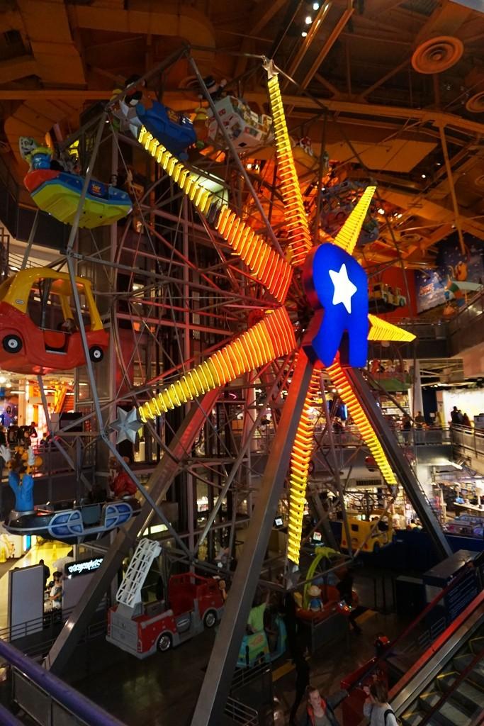Visite du Disney Store de Times Square à New York  - Page 2 Dsc01215