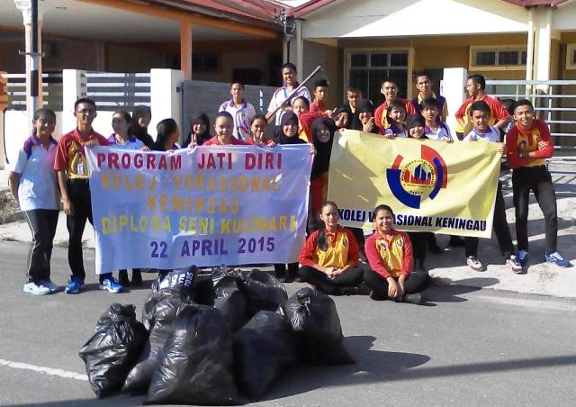 Pelajar Vokasional Keningau bersihkan taman kita -22april2015 - Page 2 Photo_81