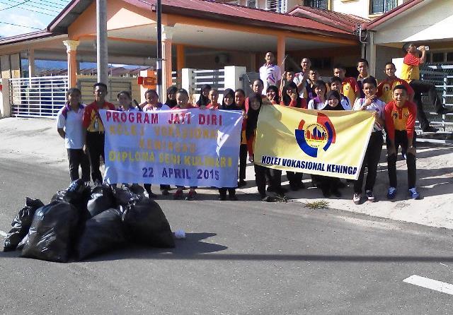 Pelajar Vokasional Keningau bersihkan taman kita -22april2015 - Page 2 Photo_82