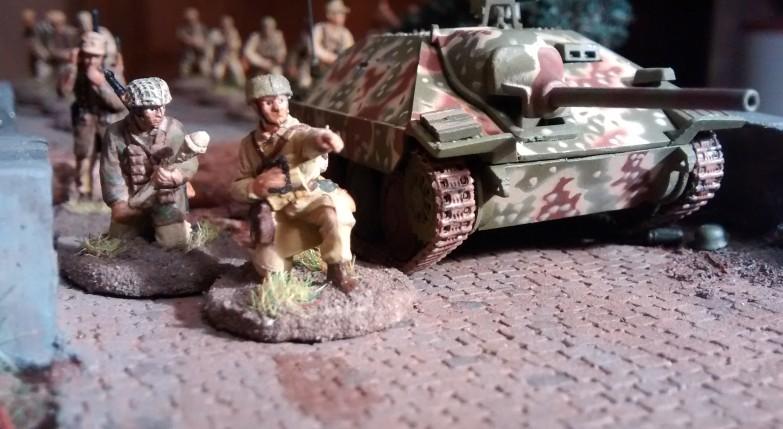 Sturmtiger vor Tobruk - Seite 2 Jsobi10