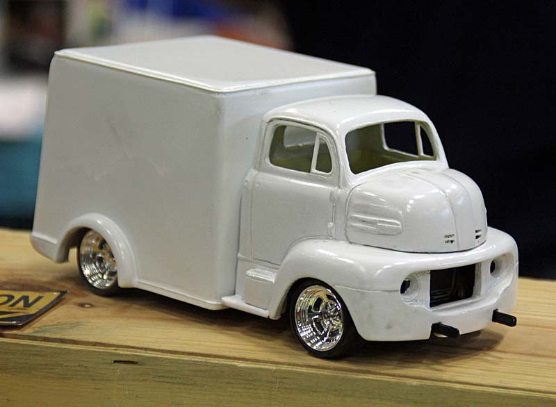"""FORD 1948 COE """"box van"""" : Terminé !!!! Img_3912"""