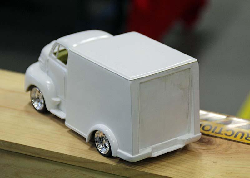 """FORD 1948 COE """"box van"""" : Terminé !!!! Img_3914"""
