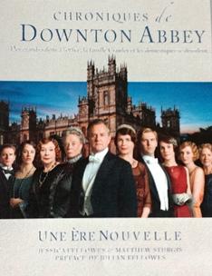 The World of Downton Abbey de Jessica Fellowes (le livre) Breveo10