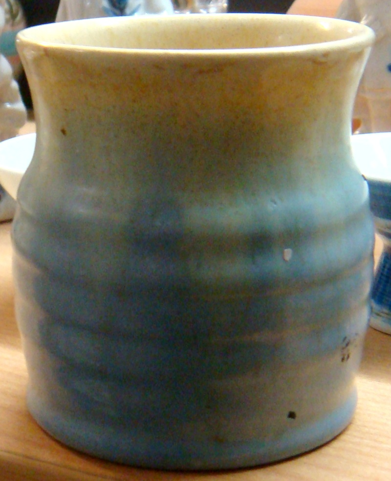Remued mark their pottery with a number. Dsc05610