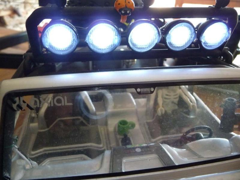 Fabriquer éclairage Led pour Scx10 et Scale Trial : feux avant, feux arrière, spot de toit, clignotants, gyrophares et feux de recul Pas Cher 5b-rub10