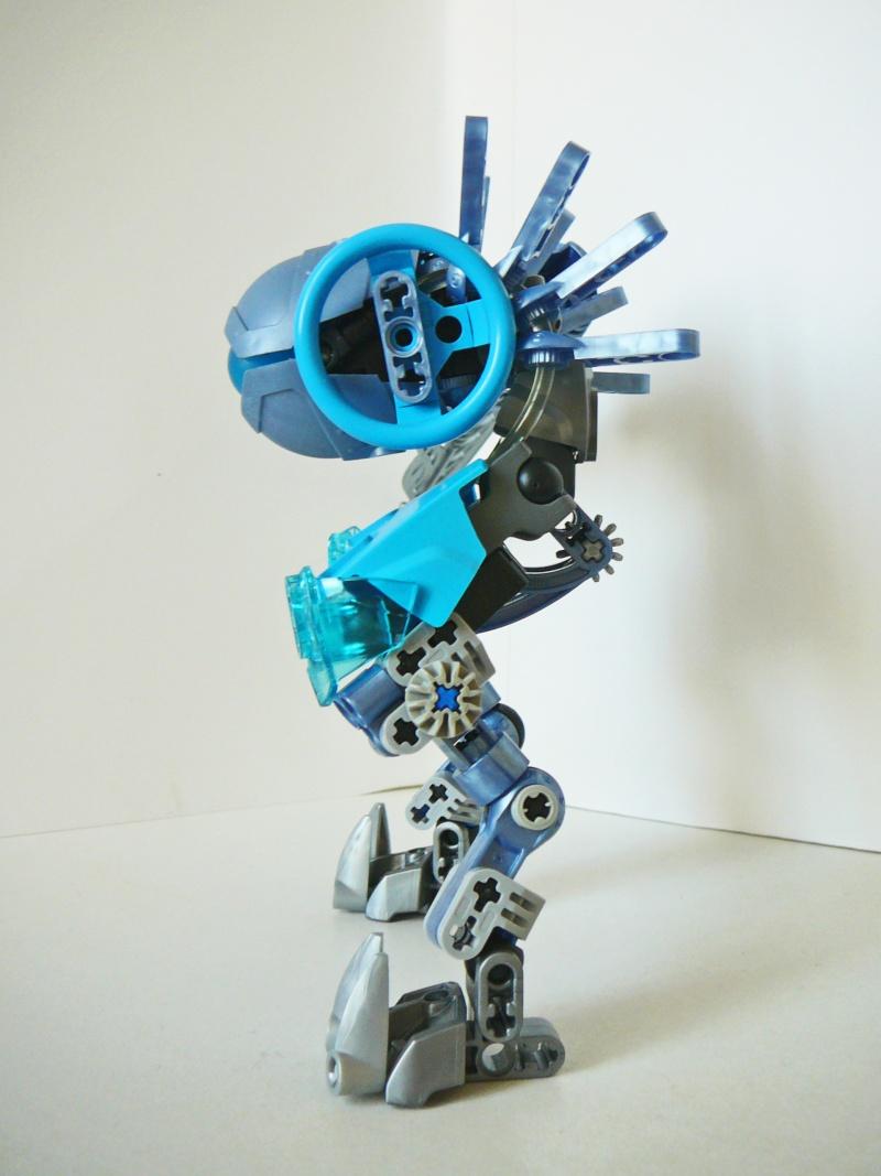 """[MOC]Les MOCs de FxSteel : Un MOC un peu pariculier : Unit-07 """"Frozen"""" Blue_e12"""