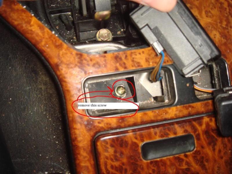 depose de la console en bois Consol14